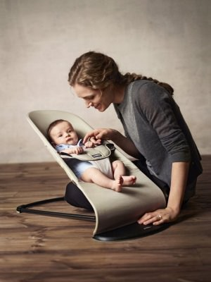 Babybjoern Babywippe Mutter und Kind